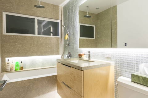 Hollywood Bathroom by Luxus Construction 01