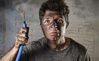 When Should You Call an Electrician