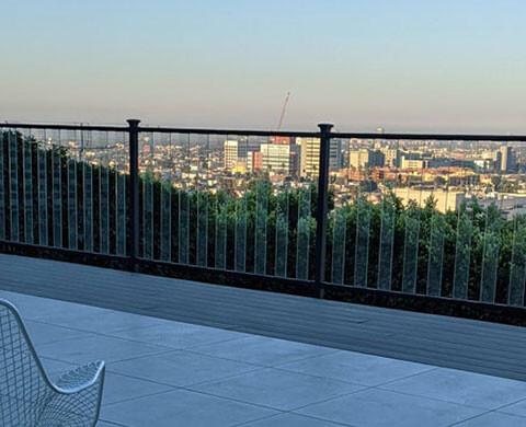 750 sq. ft. Deck in Los Feliz, California